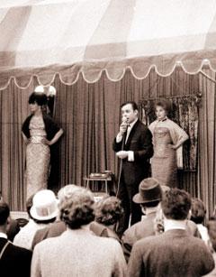 die mode der 50er jahre kleidung modestil modedesigner modetrends skandale und vieles mehr. Black Bedroom Furniture Sets. Home Design Ideas