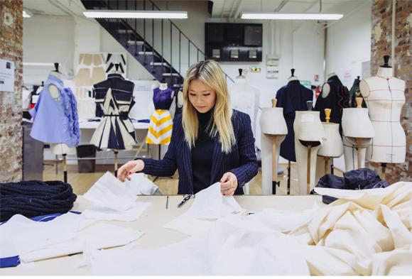 modedesignschule atelier chardon savard in berlin. Black Bedroom Furniture Sets. Home Design Ideas
