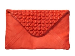 Clutch in Rot mit Steppung von Scotch and Soda